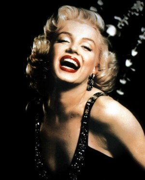 Madonna, Shakira i Marilyn Monroe (VIDEO)