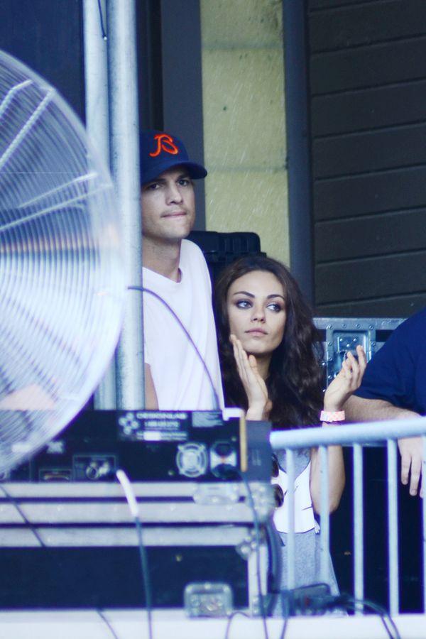 Kunis i Kutcher - miłość kwitnie (FOTO)