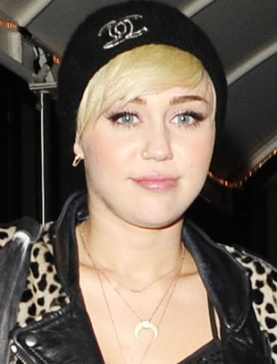 Miley Cyrus w stroju Nicki Minaj (FOTO)