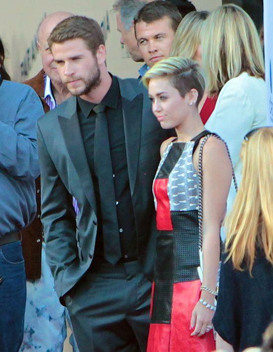 Liam Hemsworth i Mile Cyrus razem na premierze Paranoi