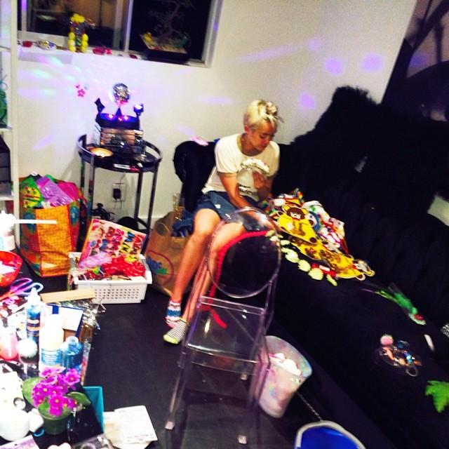 Miley Cyrus zmienia zaw�d? (FOTO)