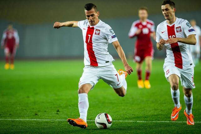 Lawina JADU i HEJTU wyla�a si� na g�ow� Arka Milika po meczu z Kazachstanem