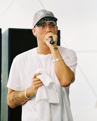 Eminem straszy, że opblikuje nagie zdjęcia Mariah Carey