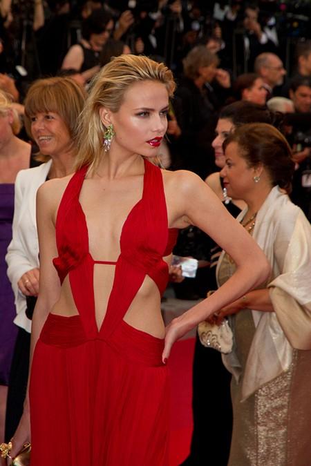 Supermodelki na czerwonym dywanie w Cannes (FOTO)