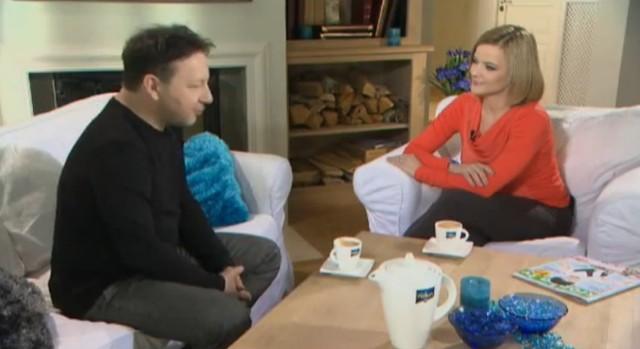 Zamachowski na kanapie u Moniki Richardson (VIDEO)