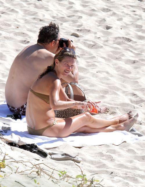 Kate Moss ładuje baterie na Wyspie św. Bartłomieja (FOTO)