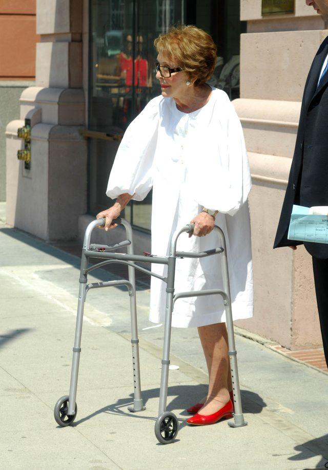 Nancy Reagan nie żyje