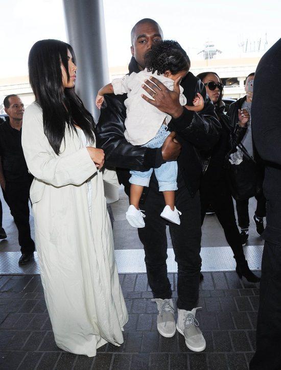 �pi�ca Nori na lotnisku (FOTO)