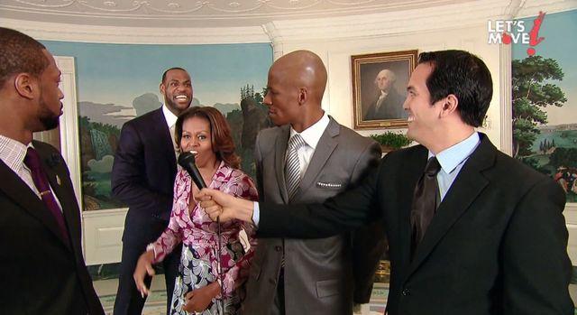 Dziwaczne zachowanie Michelle Obamy [VIDEO]