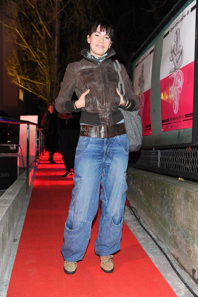 Kiedyś nosiła workowate dżinsy, dziś... różowe kozaczki (ZDJĘCIA)