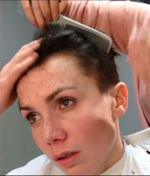 Olga Bo��d� ogoli�a w�osy! (VIDEO)