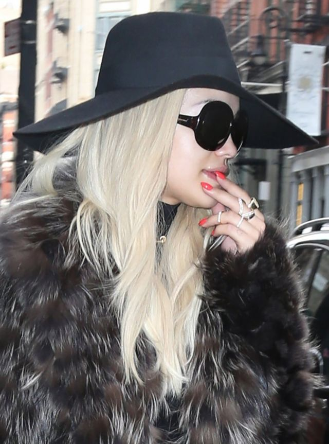 Rita Ora ma krew na rękach? (FOTO)