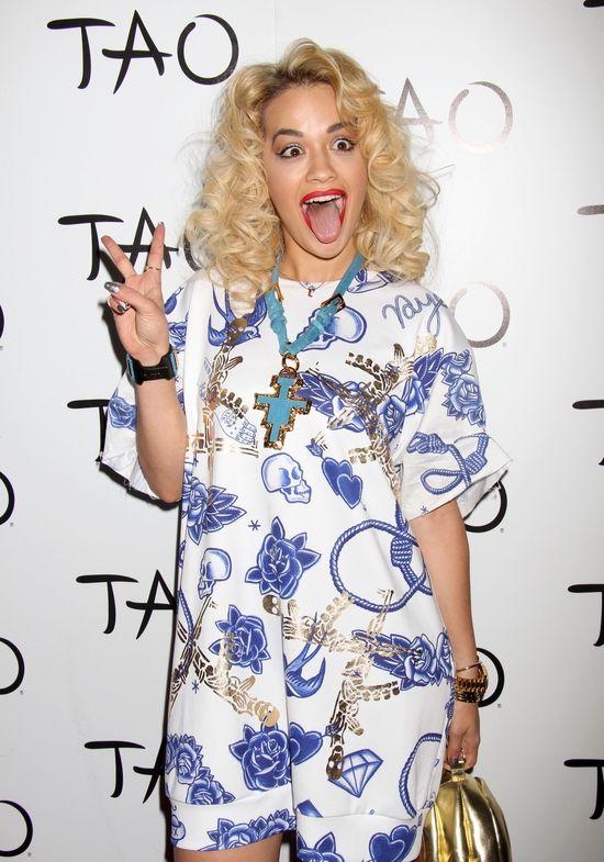 Rita Ora w drodze na imprezę