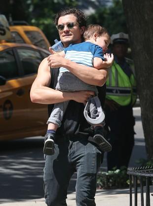 Orlando Bloom – przykładny tatuś (FOTO)