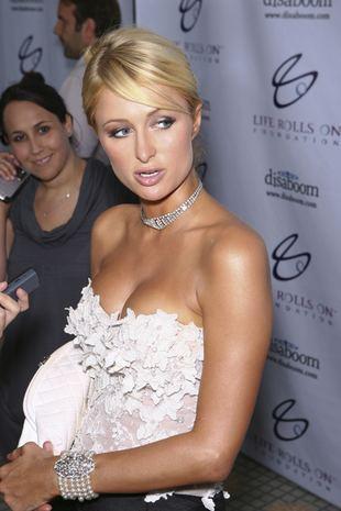 Greckie klany przeciw Paris Hilton