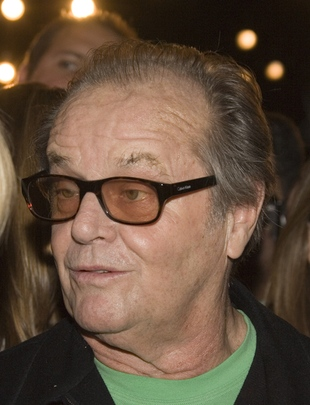 Nicholson przed gośćmi na golasa