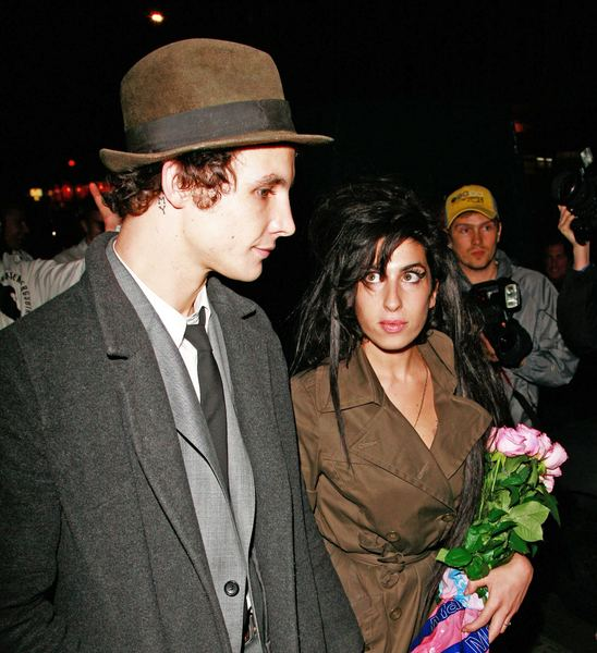 Amy Winehouse świętuje (FOTO)