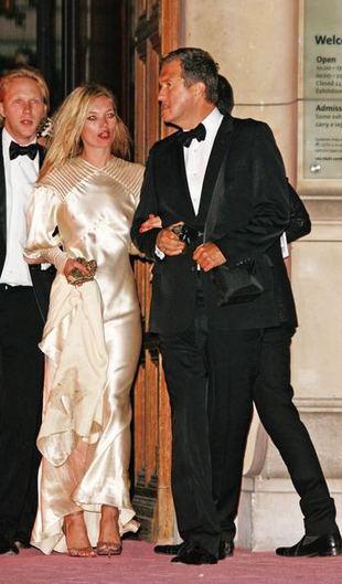 Courtney Love podarła suknię Kate Moss