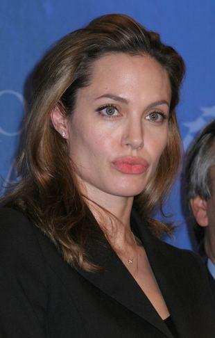 St. John kończy z Angeliną Jolie