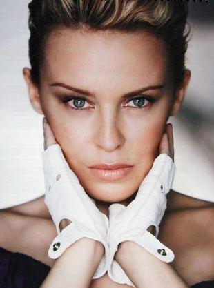 Minogue doceniona przez królową