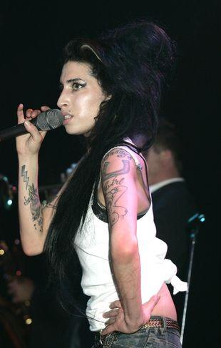 Znajomi popierają Amy Winehouse