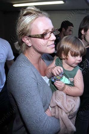 Britney traci synów