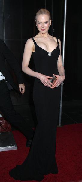 Nicole Kidman cieszy się z większych piersi