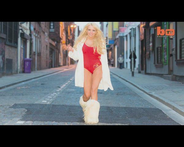 Wydała 30 tys. dolarów, by wyglądać jak Pamela Anderson