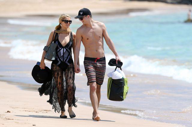 Paris Hilton i River Viiperi - miłość kwitnie (FOTO)