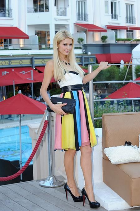 Paris Hilton przyjechała do Cannes... (FOTO)