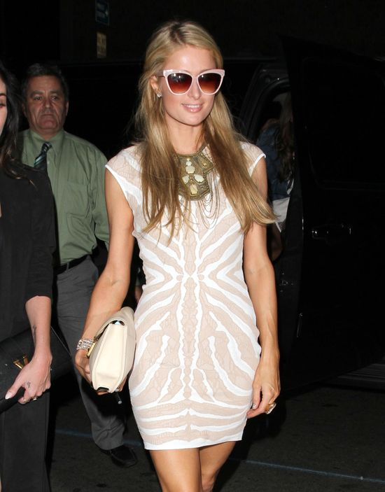 Paris Hilton chce wypromowa� by�� Liama Hemswortha? (FOTO)