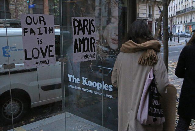 Skąd się wziął ten symbol solidarności z Paryżem?