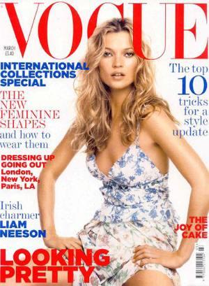 Kate Moss i tania suknia ślubna