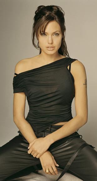 Angelina Jolie w filmie Beowulf