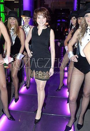 Karolina Borkowska tańczy na rurze