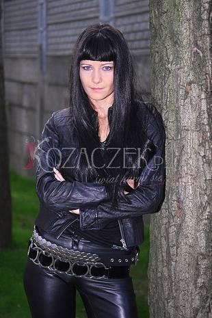 Kożuchowska brunetką