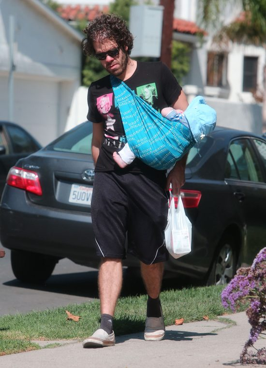 Perez Hilton kąpał się z synkiem. I wywołał BURZĘ