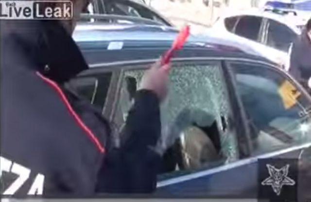 Ten pies zginął z przegrzania w samochodzie (VIDEO)