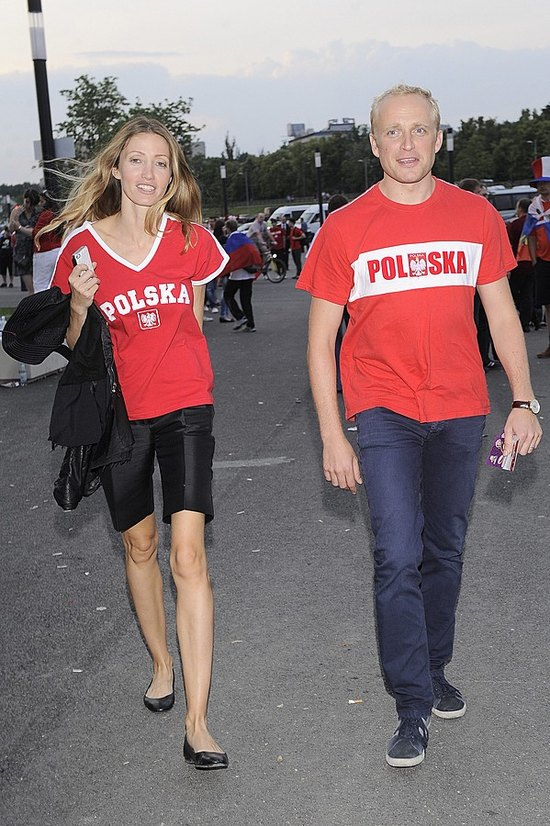 Nie tylko Michał Żebrowski ma bardzo szczupłą żonę (FOTO)