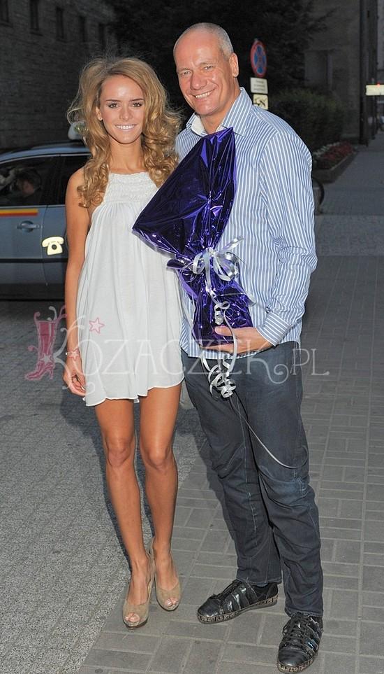 Piotr Zelt i jego młodsza o 21 lat dziewczyna (FOTO)