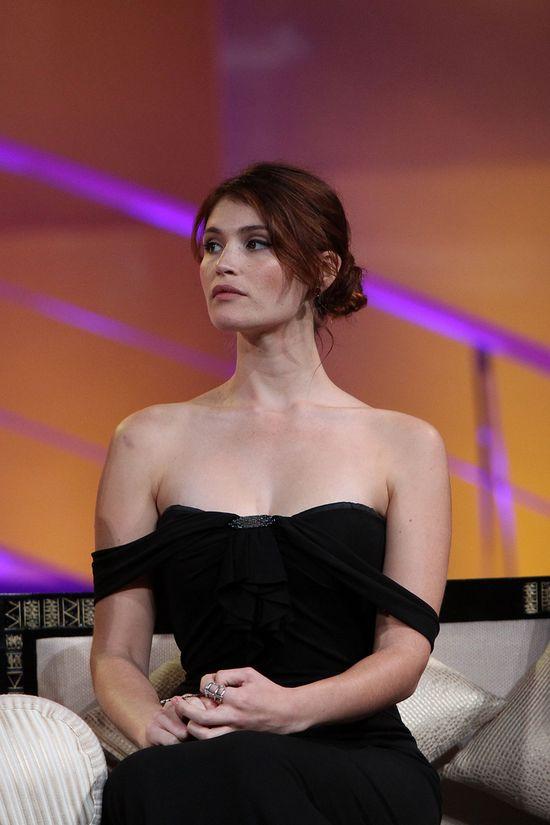 Łabędzia szyja pewnej brytyjskiej aktorki (FOTO)
