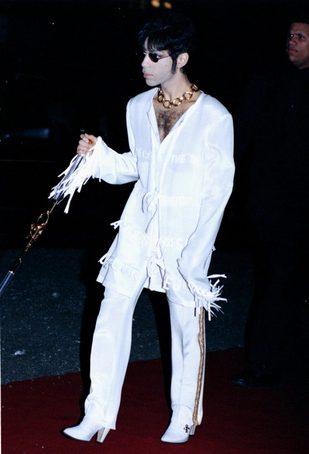 Prince miał najlepsze pod słońcem zdjęcie do paszportu