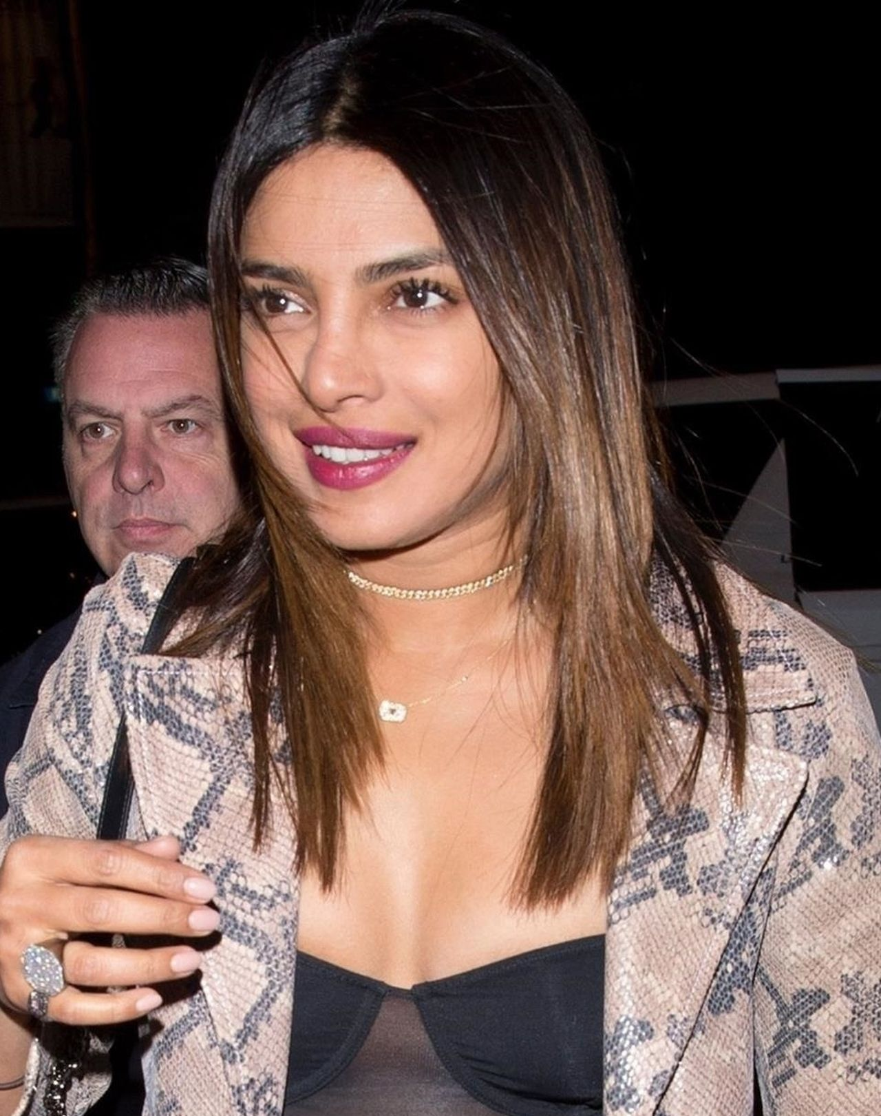 Priyanka Chopra rozjaśniła włosy - pasuje do niej taki kolor? (ZDJĘCIA)
