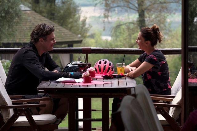 Przyjaciółki 10 sezon: Cały bank już plotkuje o ciąży Zuzy! (ZDJĘCIA+VIDEO)