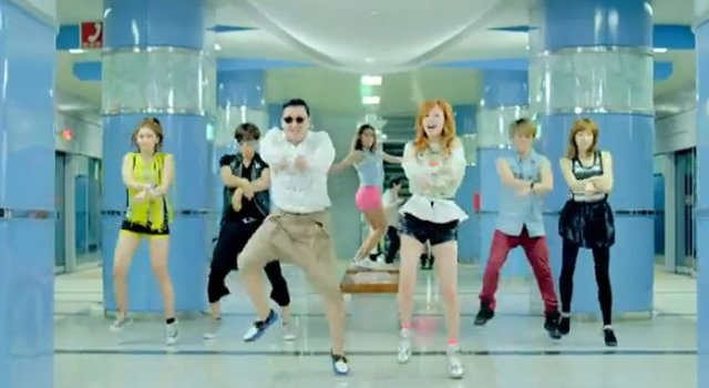 Britney Spears uczy się Gangnam Style od Psy [VIDEO]