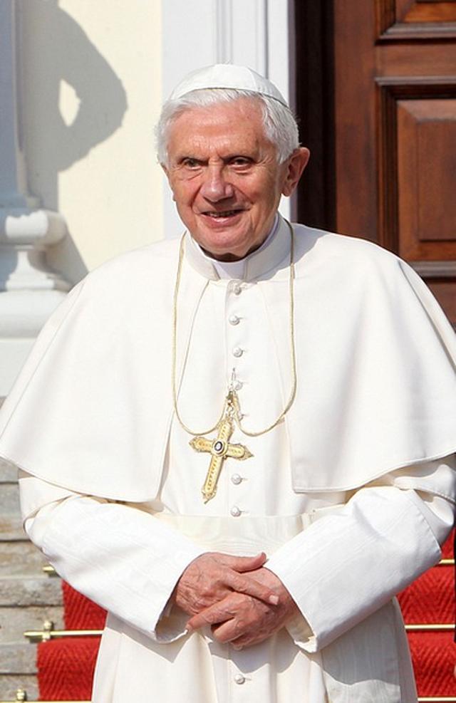 Nie uwierzycie, co łączy Sylvestra Stallone i papieża Benedykta XVI