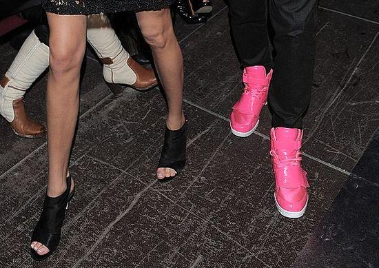 Ładne buciki - pasują do eleganckiej marynarki? (FOTO)