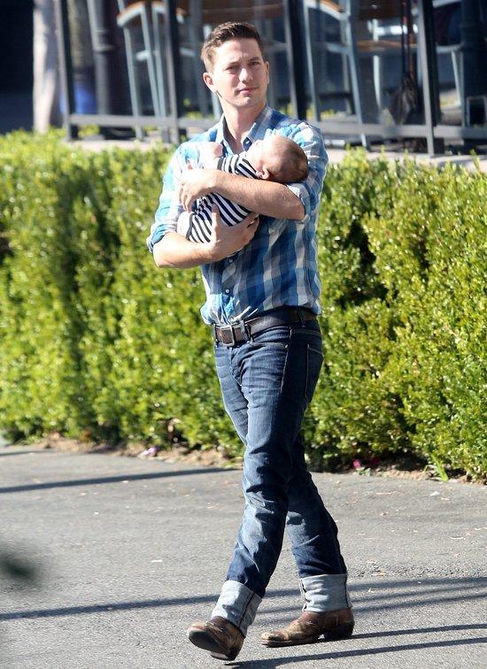 Jackson Rathbone - większe ciacho niż Pattinson? (FOTO)