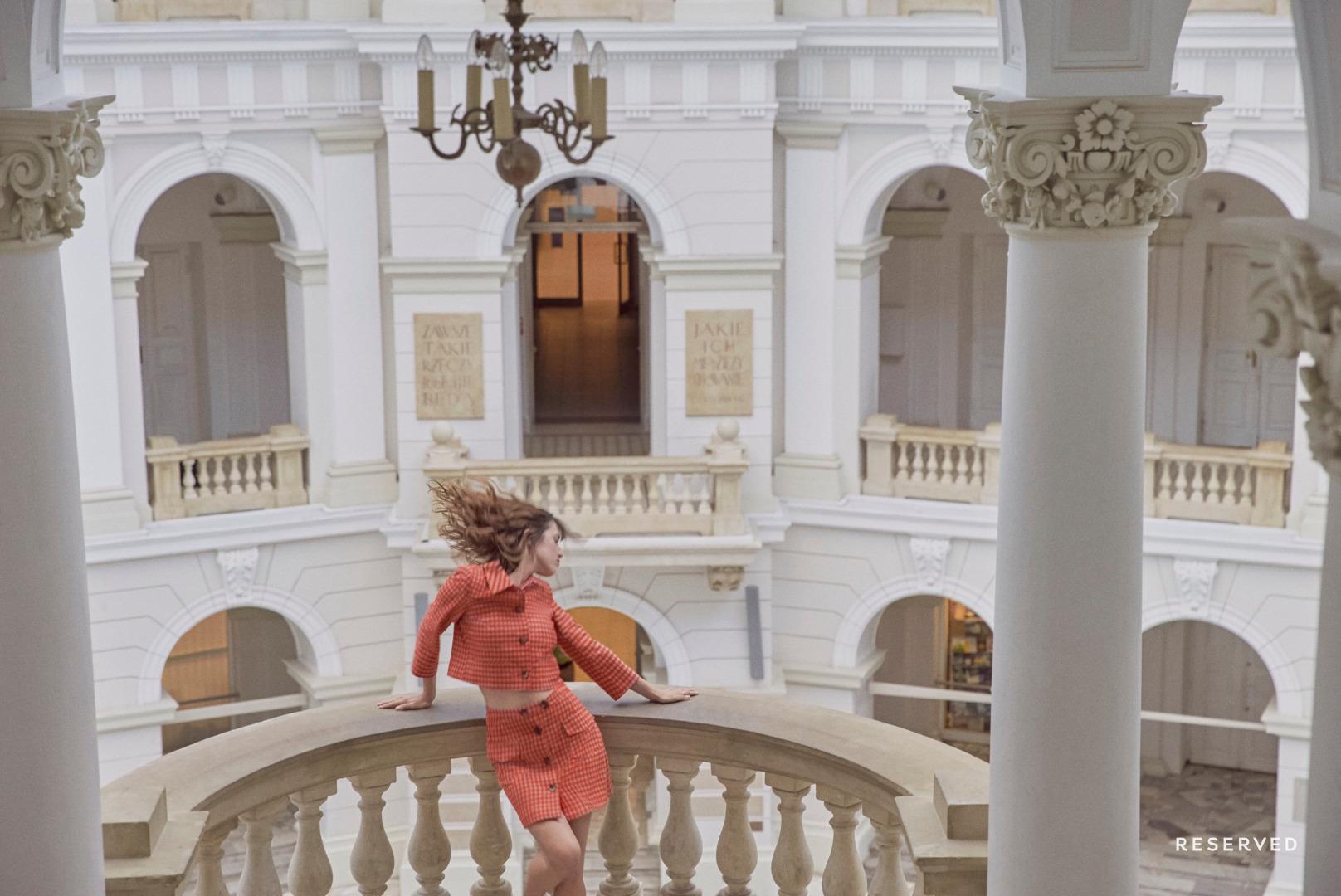 Joanna Kulig i gwiazda Instagrama Jeanne Damas w szalonym tańcu
