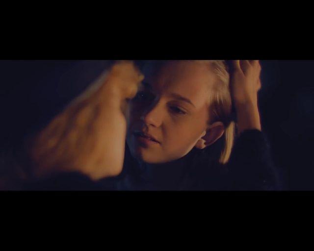 Całujące się harcerki kłują w oczy ZHP [VIDEO]